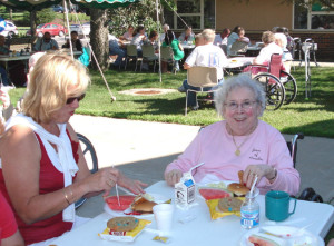 Family Picnic 08 Res w relatives 0808 11200x900